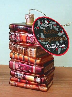 Christbaumkugel Bücherstapel
