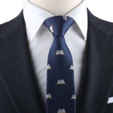 Krawatte mit Büchern