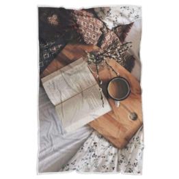 Buch und Lesedecke