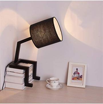 Buchablage und Lampe