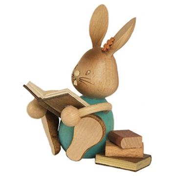 Gedrechselter Hase Stupsi mit Büchern -